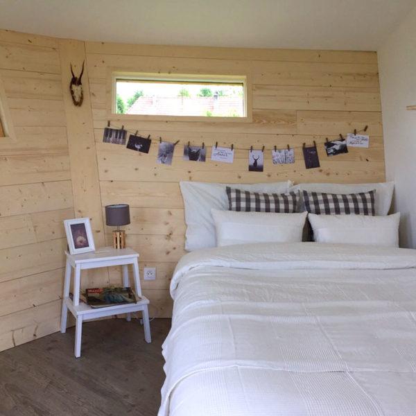 Aménagement intérieur de cabane dans les arbres