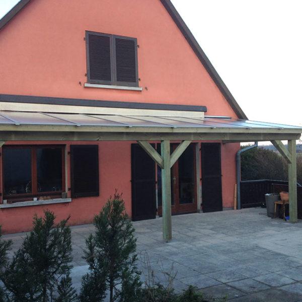Terrasse en Pin autoclavé (classe 4) avec couverture en Polycarbonate